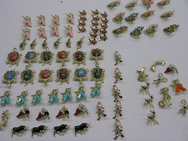 5913: Costume jewelry pins