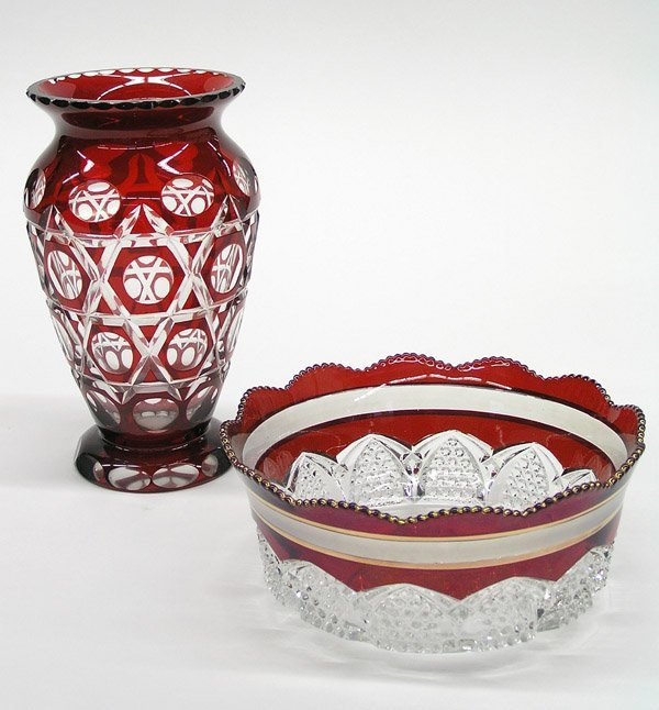 12: Red clear glass vase bowl