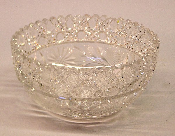 4020: Brilliant cut crystal bowl