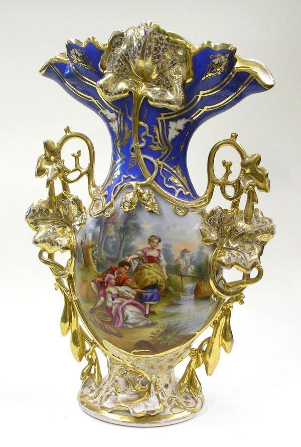 6003: Paris porcelain hand painted cameo urn