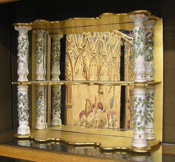 6010: German tiered mirrored shelf Meissen