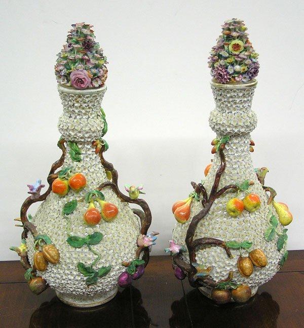 6015: Meissen schneeballen bottle vases
