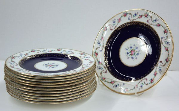2018: Crown Chelsea China, England plates