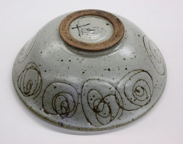 4153: Antonio Prieto signed art pottery bowl - 3