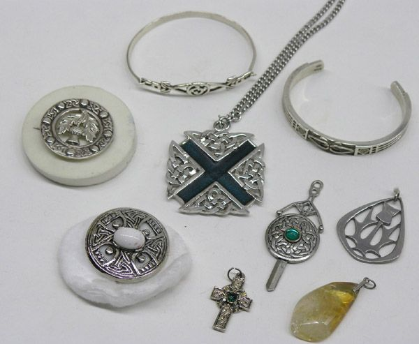 Scottish Jewlery group of pendants