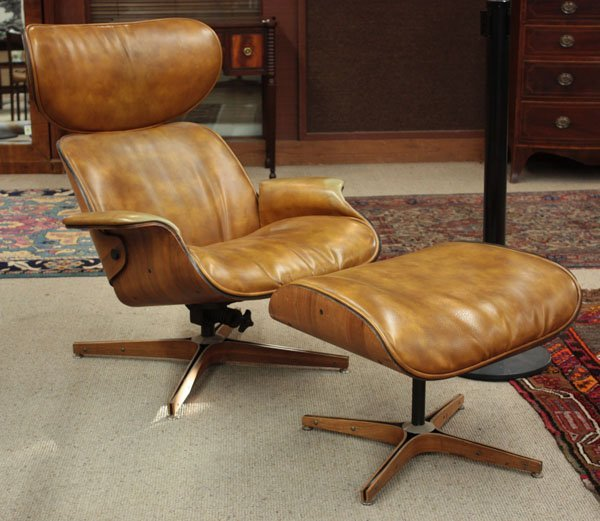 2316: George Mulhauser Plycraft lounge chair