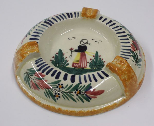 6022: Quimper faience ashtray