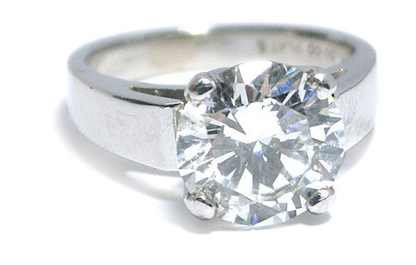 7013: Diamond solitaire platinum ring