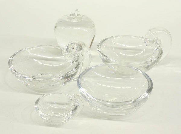 4019: Steuben art glass bowl, paperweight