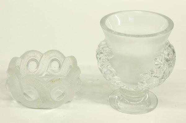 4023: Lalique crystal bowl, pedestal vase