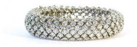 7016: diamond bombe platinum bracelet