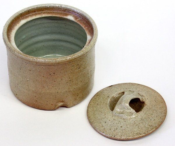 4550: Studio art pottery, Byron Temple - 2