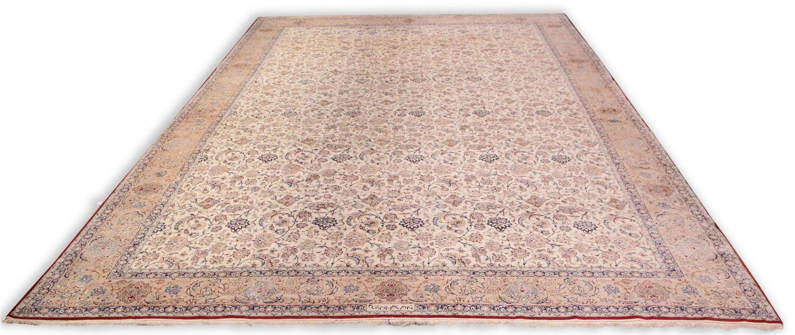 A semi antique part silk Persian Kashan carpet
