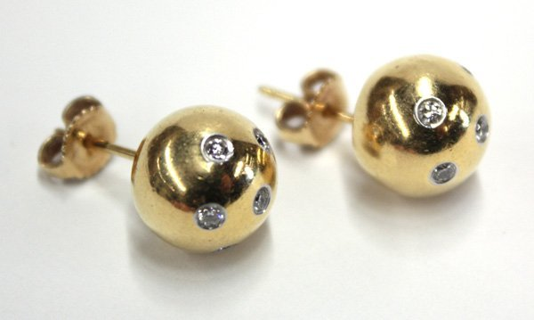 8000: Diamond Tiffany & Co. Etoile earrings 18k gold