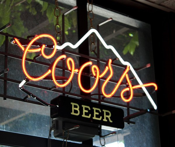 9016: Coors beer neon advertising sign