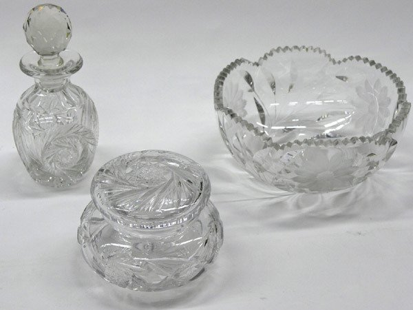 6014: 3 Cut Crystal Table Articles