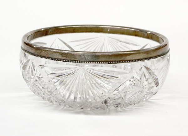 2021: American Brilliant Period cut glass fruit bowl
