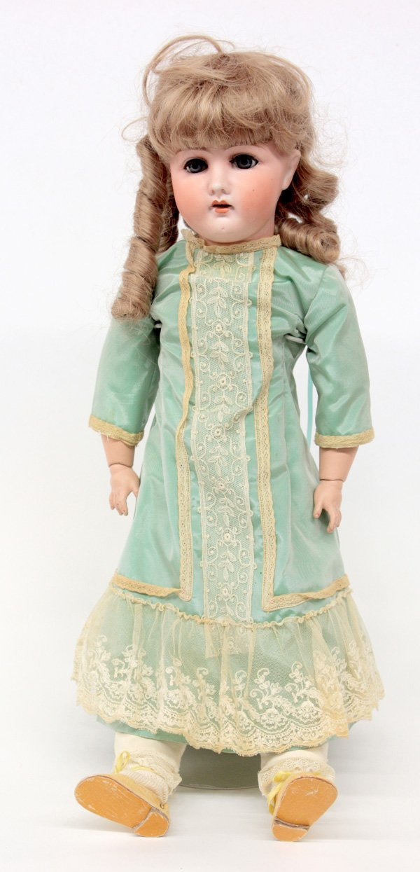 14: G&S 5 Germany, 22''l doll