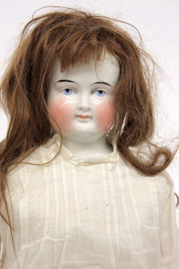 23: Biedermeier wigged china head doll - 3