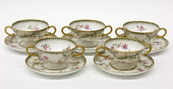 4015: Haviland Limoges hand painted consomme set