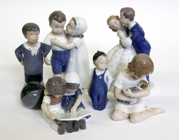 4016: Danish porcelain figures, Royal Copenhagen figure