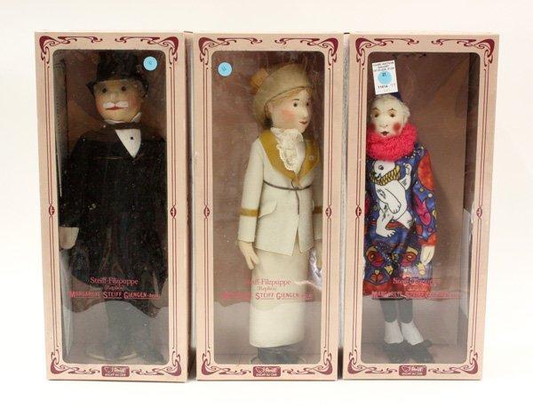 21: Steiff, felt dolls