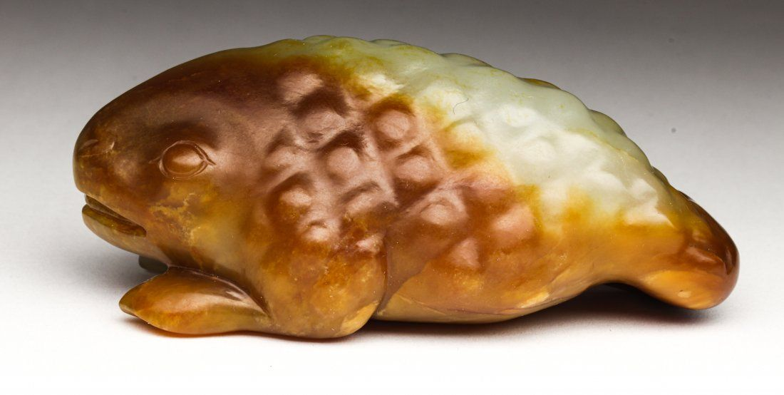 Chinese russet jade toggle of a toad