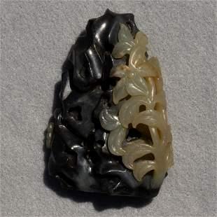 Chinese black and white jade mountain