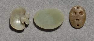 (lot of 3) Chinese small celadon jade items