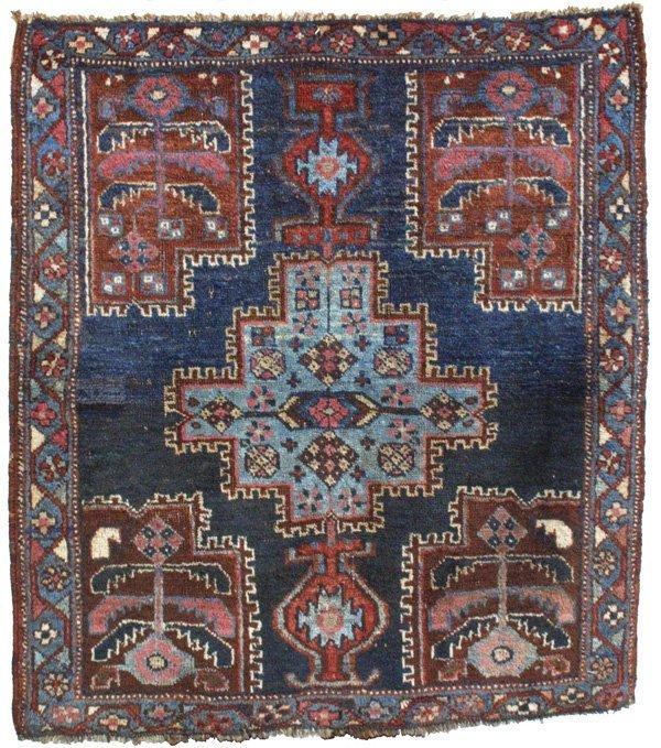 102: Small Afshar Medallion Rug Carpet