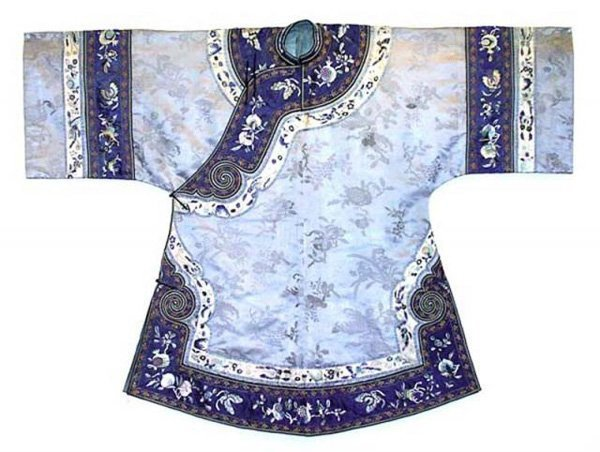 131: Embroidered Silk Chinese Robe