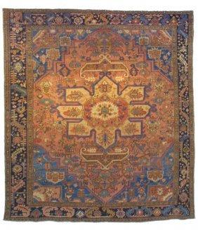173: Antique Serapi Rug Carpet