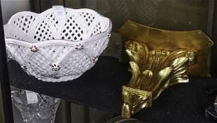 2 Italian decorative items: giltwood bracket shelf &