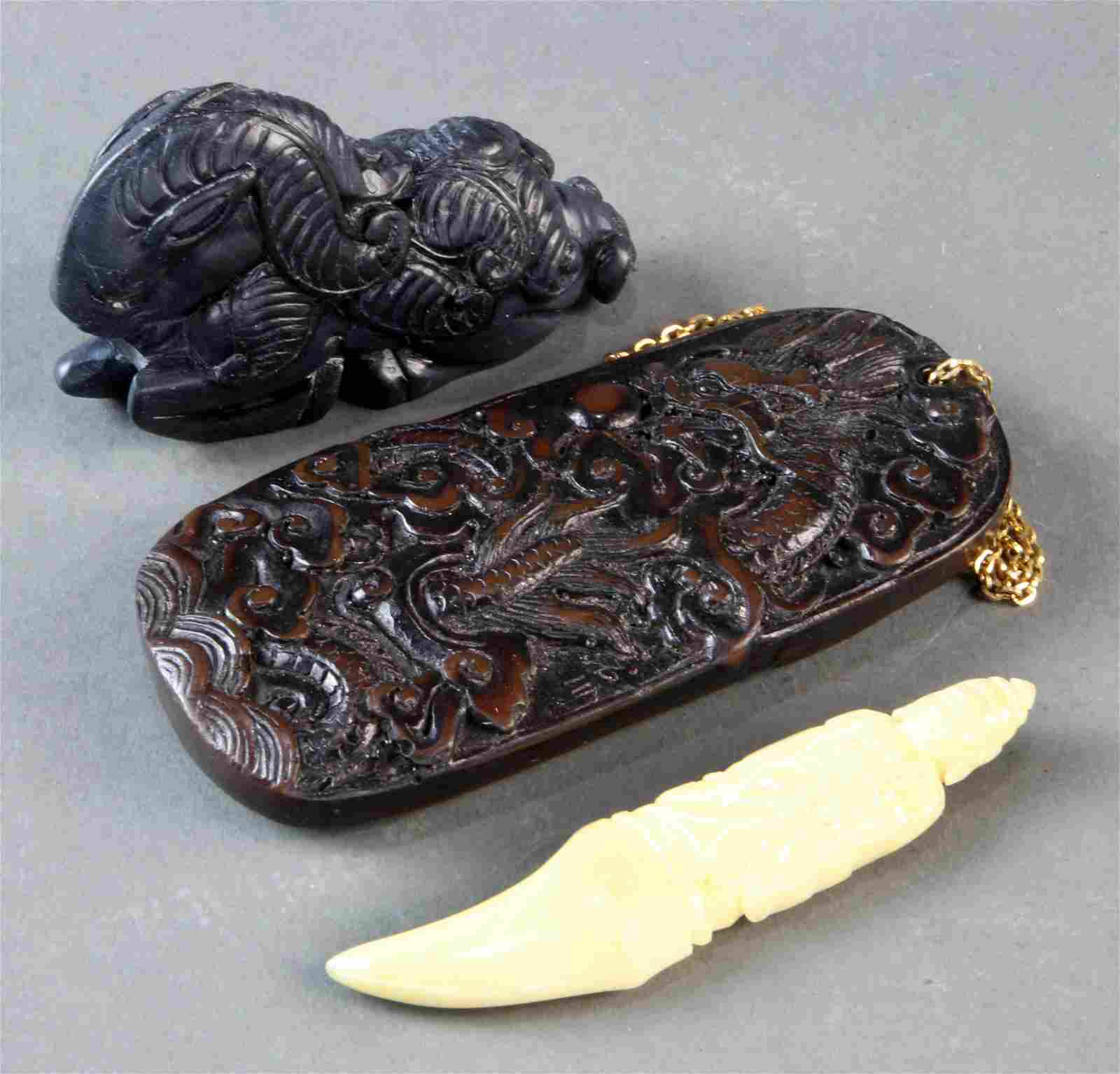 (Lot of 3) Chinese carved pendants