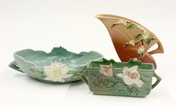 2020: Roseville Art Pottery, Snowberry, Water Lily