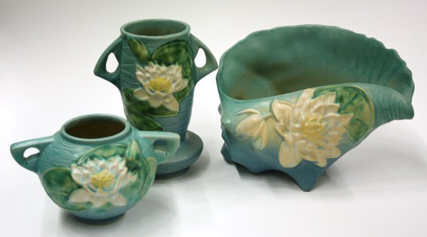 2021: Roseville Art Pottery, Water Lily