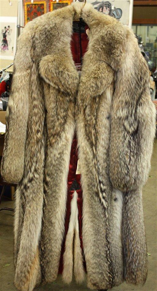 Wolf Fur Coat >> 460a Retro Wolf Fur Coat Dec 05 2009 Clars Auction Gallery In Ca