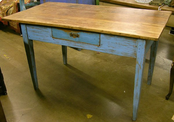 109: Farm table
