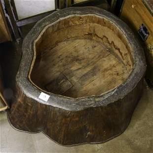 Japanese carved trunk (brazer)