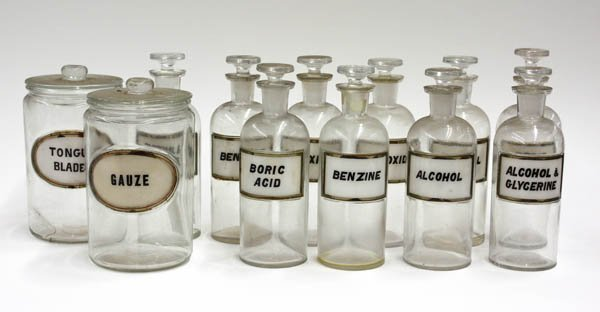 4010: Glass Apothcary jars