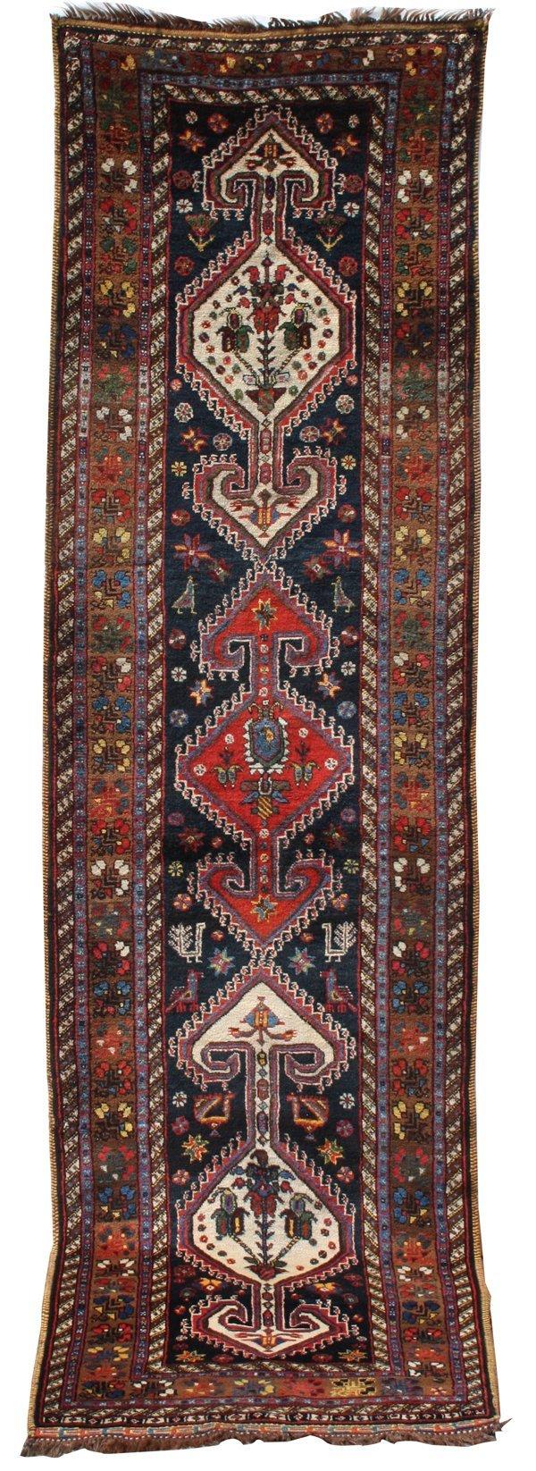 717: Luri medallion long rug