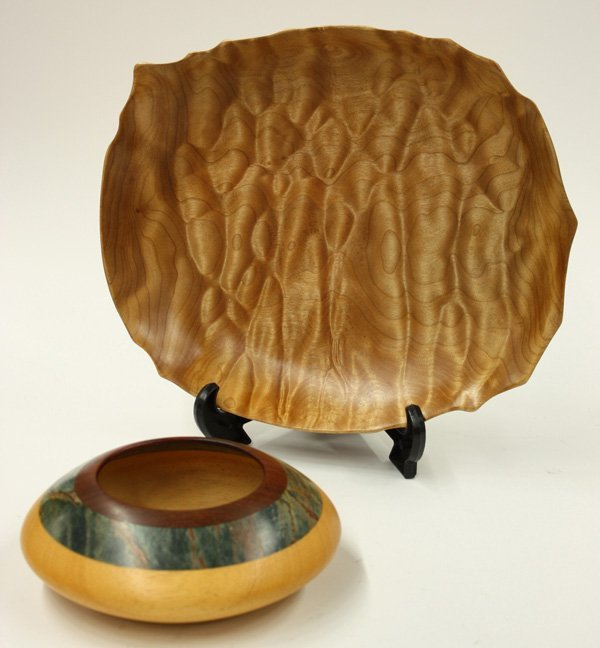 6003: Lot of two wood turned bowls
