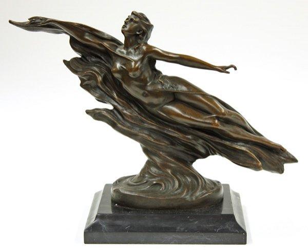 4022: Bronze sculpture, The Wave