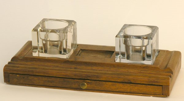 4023: Crystal inkwells, wooden pen holder
