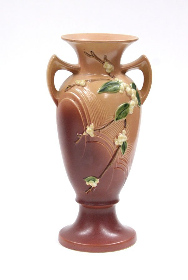 2015: Roseville Snowberry handled vase