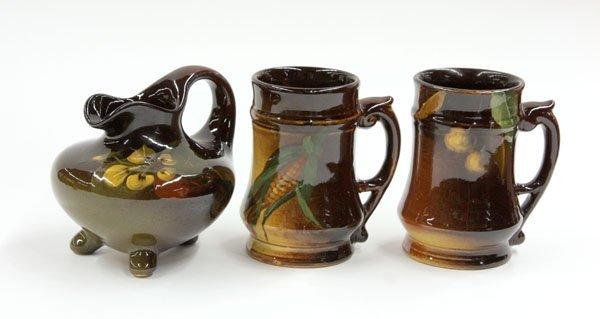 2019: Weller Louwelsa standard glaze mugs and vase