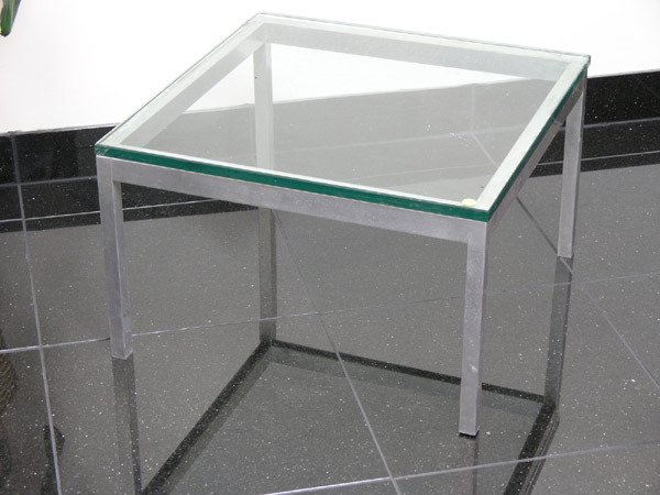8013: Glass top side table