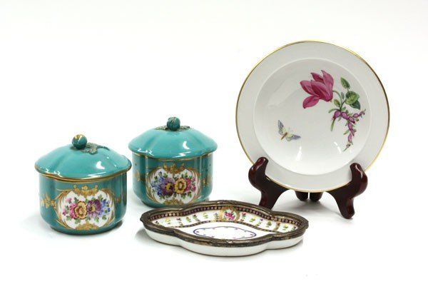 2009: Group of Continental porcelain