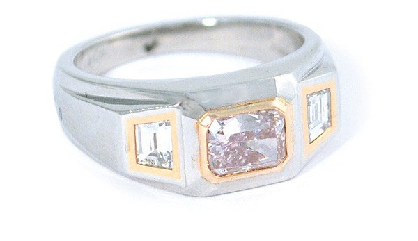 6489: Tiffany Co ring yellow gold platinum pink diamond