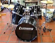 231: Ludwig accent drum set